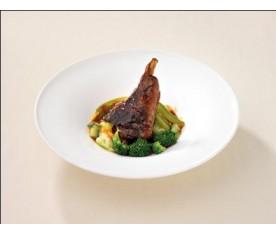 Ternasco de Aragón con salsa de verduras
